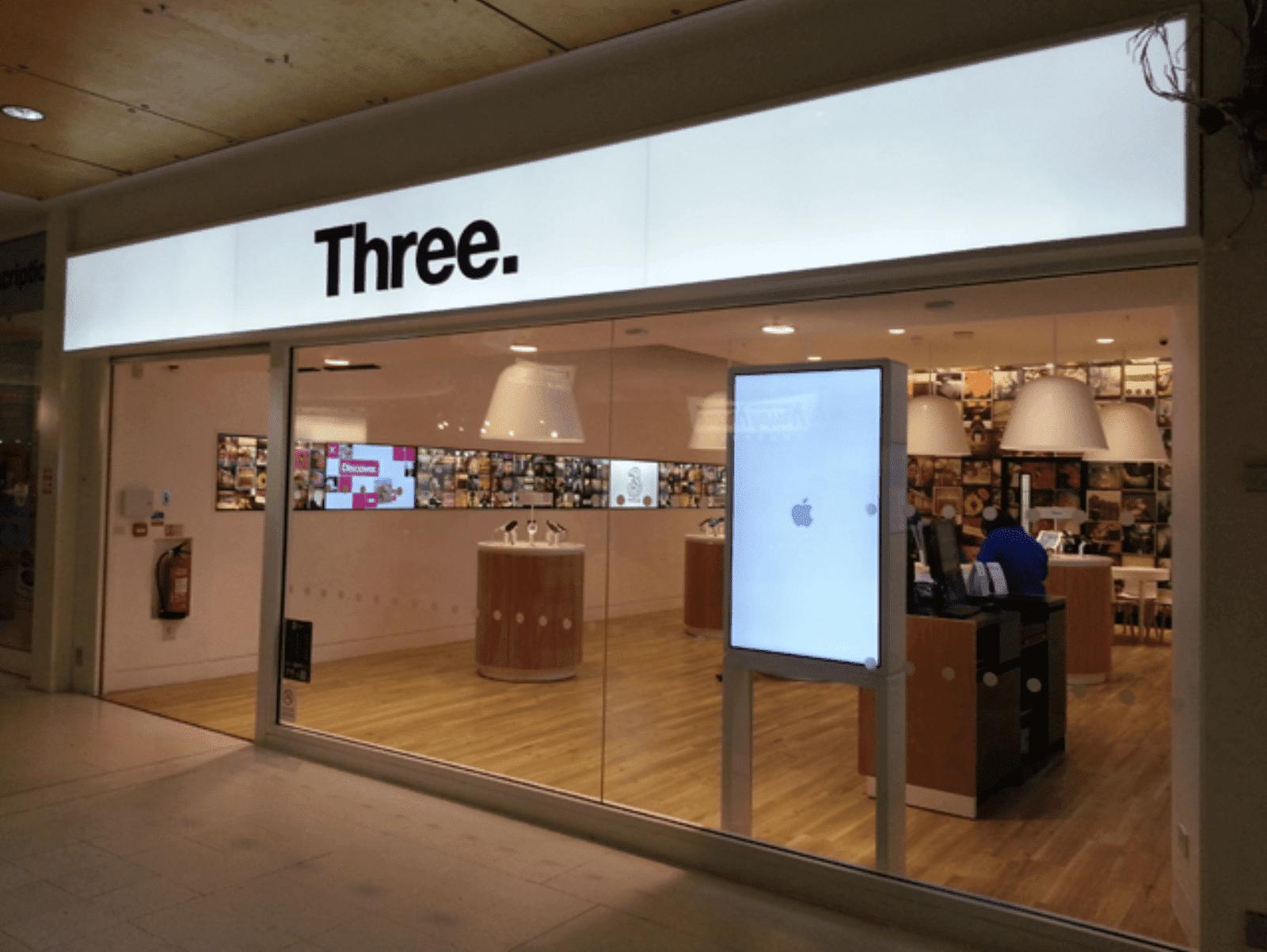 Three-mobile-hack